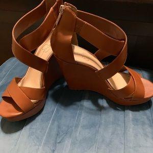 Jessica Simpson Sz. 10 leather wedges